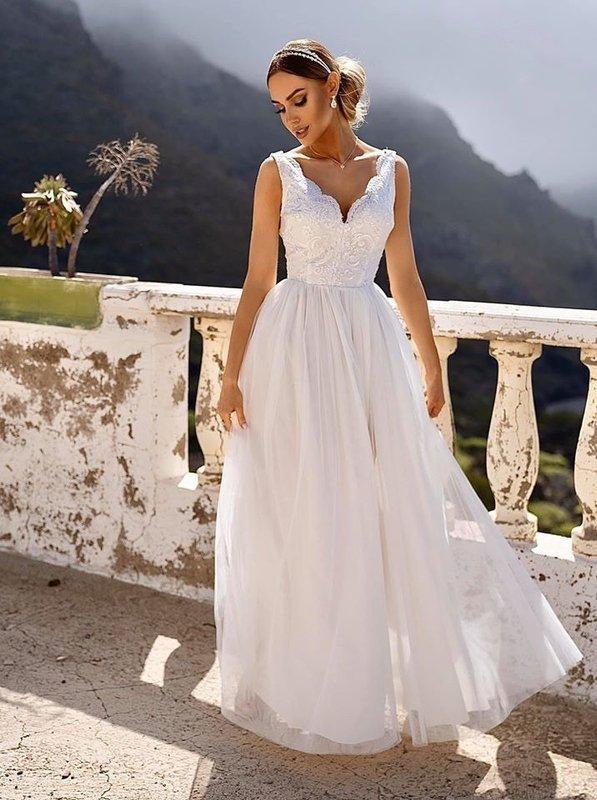 CHIARA - długa suknia wieczorowa- biała