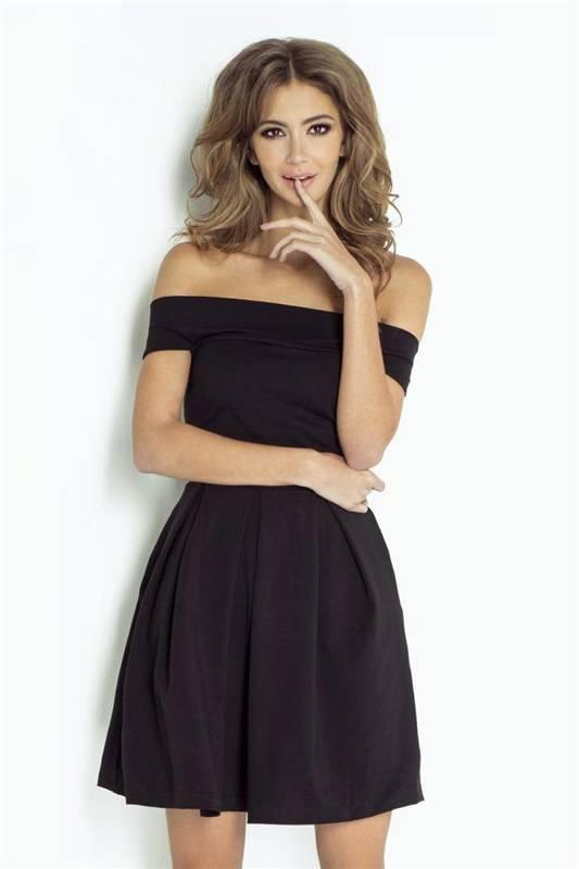 angela mała czarna elegancka  sukienka  rozkloszowana