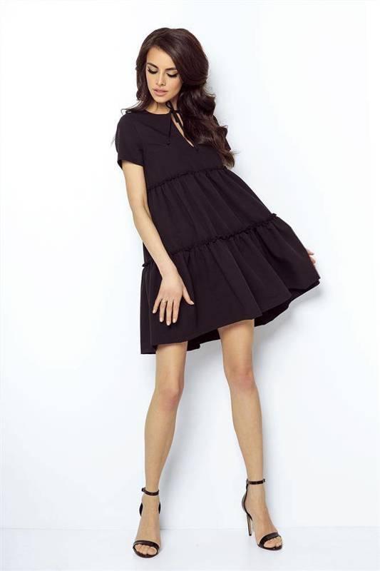 pola mała czarna sukienka boho rozkloszowana z falbaną na co dzień